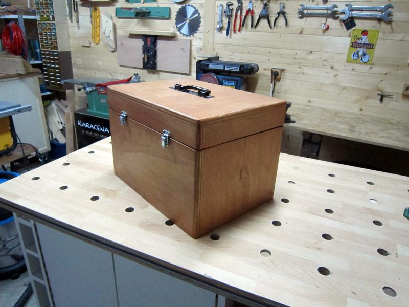 Termin une boite exercice pour ranger mon rabot - Boite pour ranger les fils electriques ...